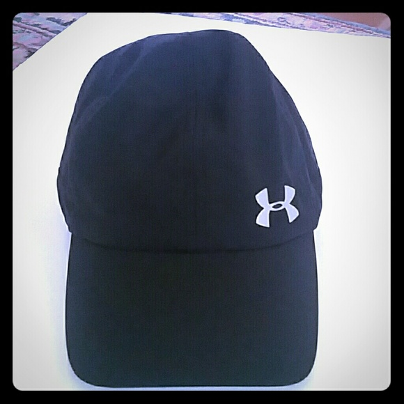 reputable site 6502f 99b44 Women s Under Armour Reflective Baseball Cap